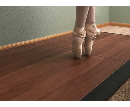 CHOICE OF STAGE FLOORING